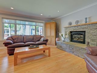Photo 2: 4586 UNDERWOOD Avenue in North Vancouver: Lynn Valley House for sale : MLS®# R2267358