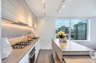 """Photo 3: 2911 908 QUAYSIDE Drive in New Westminster: Quay Condo for sale in """"RIVERSKY 1"""" : MLS®# R2535436"""