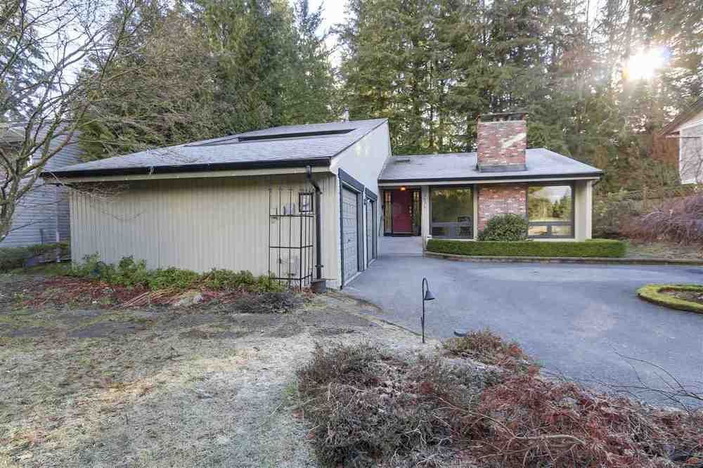 Main Photo: 3036 DUVAL ROAD in North Vancouver: Lynn Valley Home for sale ()  : MLS®# R2143747