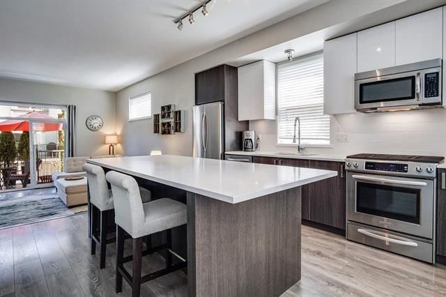 Main Photo: 7 277 171 STREET in South Surrey White Rock: Home for sale : MLS®# R2477532