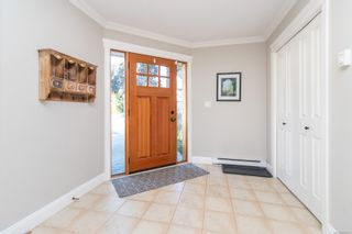Photo 4: 2289 Nicki Pl in : La Thetis Heights House for sale (Langford)  : MLS®# 885701