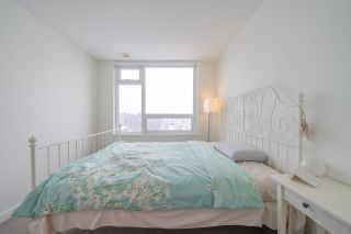 """Photo 12: 2507 5665 BOUNDARY Road in Vancouver: Collingwood VE Condo for sale in """"WALL CENTRE CENTRAL PARK SOUTH"""" (Vancouver East)  : MLS®# R2539277"""