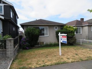 Photo 3: 528 E 56TH Avenue in Vancouver: South Vancouver House for sale (Vancouver East)  : MLS®# R2602364