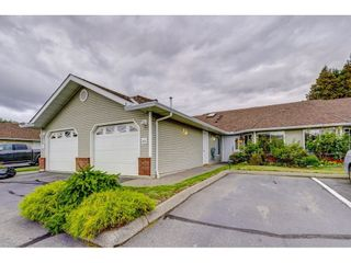 """Photo 1: 69 1973 WINFIELD Drive in Abbotsford: Abbotsford East Townhouse for sale in """"Belmont Ridge"""" : MLS®# R2402729"""
