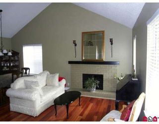 Photo 10: 13485 62ND Avenue in Surrey: Panorama Ridge House for sale : MLS®# F2910324