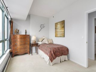 "Photo 12: 2005 212 DAVIE Street in Vancouver: Yaletown Condo for sale in ""Parkview Gardens"" (Vancouver West)  : MLS®# R2218956"