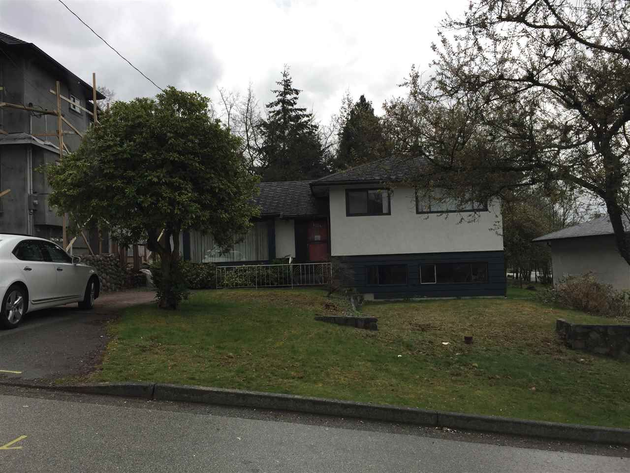 Photo 1: Photos: 4734 CAMBRIDGE Street in Burnaby: Capitol Hill BN House for sale (Burnaby North)  : MLS®# R2356293