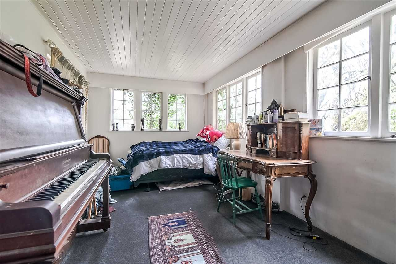 Photo 10: Photos: 3802 St Marys Ave in North Vancouver: Upper Lonsdale House for rent
