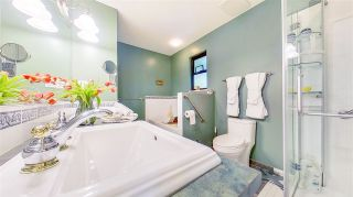 """Photo 24: 3806 GARDEN GROVE Drive in Burnaby: Greentree Village House for sale in """"Greentree Village"""" (Burnaby South)  : MLS®# R2582990"""