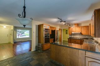 """Photo 4: 41374 DRYDEN Road in Squamish: Brackendale House for sale in """"Brackendale"""" : MLS®# R2198766"""