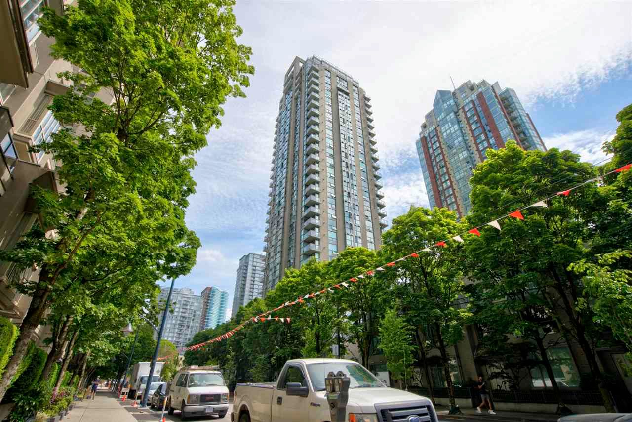 """Main Photo: 1803 928 RICHARDS Street in Vancouver: Yaletown Condo for sale in """"The Savoy"""" (Vancouver West)  : MLS®# R2591014"""
