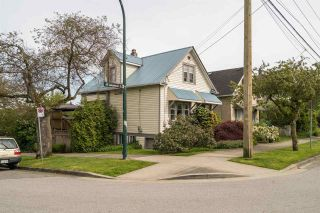 "Photo 1: 1304 LAKEWOOD Drive in Vancouver: Grandview VE House for sale in ""Commercial Dr."" (Vancouver East)  : MLS®# R2181838"