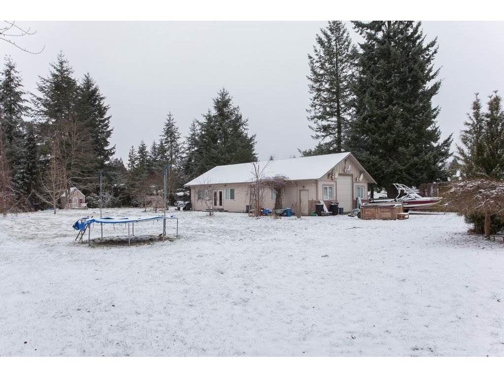 "Photo 19: Photos: 25125 57 Avenue in Langley: Salmon River House for sale in ""Strawberry Hills"" : MLS®# R2136212"
