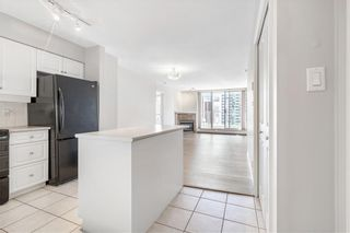 Photo 3: 1406 650 10 Street SW in Calgary: Downtown West End Apartment for sale : MLS®# C4303529