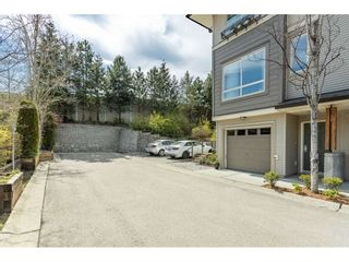 """Photo 2: 5 301 KLAHANIE Drive in Port Moody: Port Moody Centre Townhouse for sale in """"Currents @ Klahanie"""" : MLS®# R2475396"""
