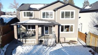 Photo 4: 2031 52 Avenue SW in Calgary: North Glenmore Park Detached for sale : MLS®# A1059510