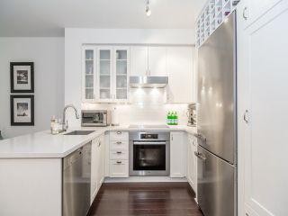 Photo 8: 20 Scrivener Sq Unit #321 in Toronto: Rosedale-Moore Park Condo for sale (Toronto C09)  : MLS®# C3670235