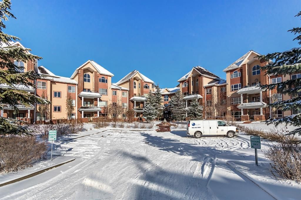 Main Photo: 233 30 Sierra Morena Landing SW in Calgary: Signal Hill Apartment for sale : MLS®# A1048422