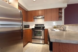 """Photo 9: 8 7503 18TH Street in Burnaby: Edmonds BE Townhouse for sale in """"SOUTHBOROUGH"""" (Burnaby East)  : MLS®# V795972"""
