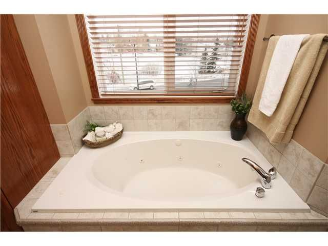 Photo 13: Photos: 51 WESTON Rise SW in CALGARY: West Springs Residential Detached Single Family for sale (Calgary)  : MLS®# C3544531