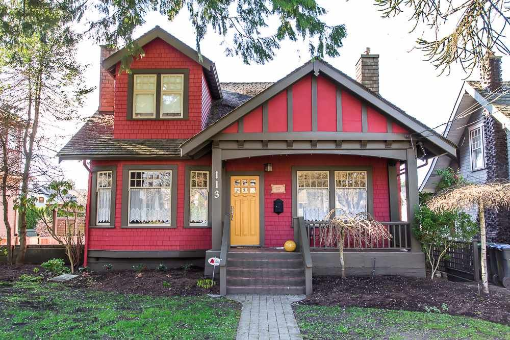 """Main Photo: 113 FIFTH Avenue in New Westminster: Queens Park House for sale in """"QUEEN'S PARK"""" : MLS®# R2051360"""