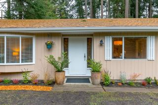 Photo 1: 1928 Barrett Dr in North Saanich: NS Dean Park House for sale : MLS®# 887124