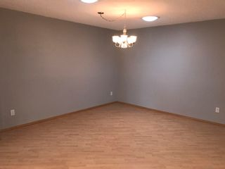 Photo 6: 1833 Millwoods RD E NW in Edmonton: Zone 29 Townhouse for sale : MLS®# E4255033