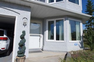 Photo 3: 271 HAWKVILLE Close NW in Calgary: Hawkwood Detached for sale : MLS®# A1019161