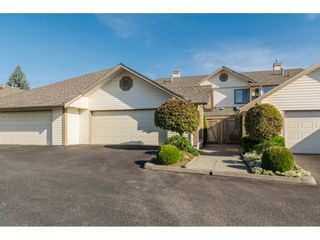 Photo 1: 48 6140 192 Street in Surrey: Cloverdale BC Townhouse for sale (Cloverdale)  : MLS®# R2198090