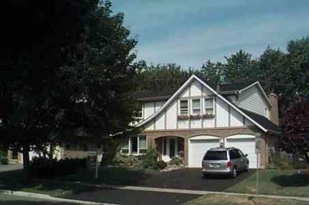 Main Photo: : Freehold for sale : MLS®# N825487