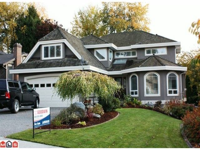 """Main Photo: 2108 ESSEX Drive in Abbotsford: Abbotsford East House for sale in """"Everett Estates"""" : MLS®# F1127461"""