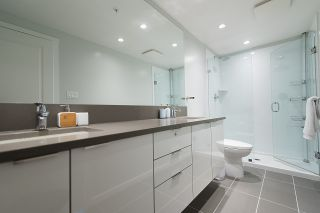 """Photo 11: 3101 5883 BARKER Avenue in Burnaby: Metrotown Condo for sale in """"ALDYNNE ON THE PARK"""" (Burnaby South)  : MLS®# R2372659"""