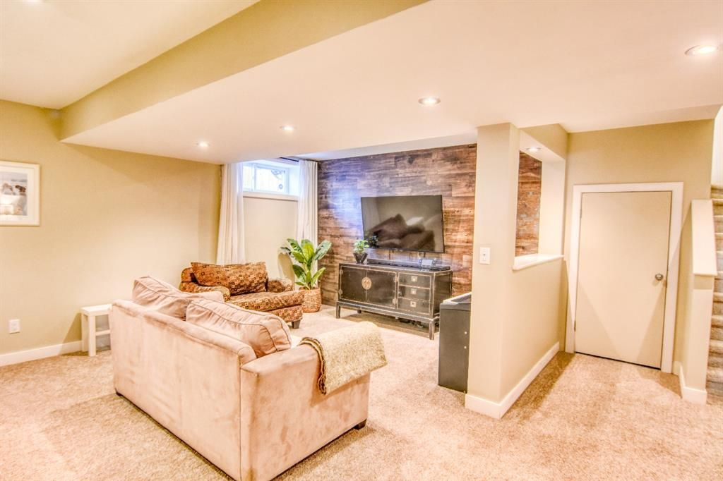 Photo 17: Photos: 66 Bridlerange Circle SW in Calgary: Bridlewood Detached for sale : MLS®# A1099758