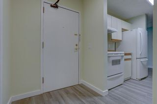 Photo 3: 210 525 56 Avenue SW in Calgary: Windsor Park Apartment for sale : MLS®# A1086866