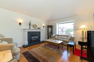 """Photo 2: 17176 103 Avenue in Surrey: Fraser Heights House for sale in """"Abbey Glen"""" (North Surrey)  : MLS®# R2606989"""