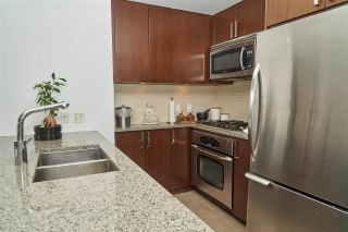 """Photo 4: 704 2978 GLEN Drive in Coquitlam: North Coquitlam Condo for sale in """"Grand Central One"""" : MLS®# R2379022"""