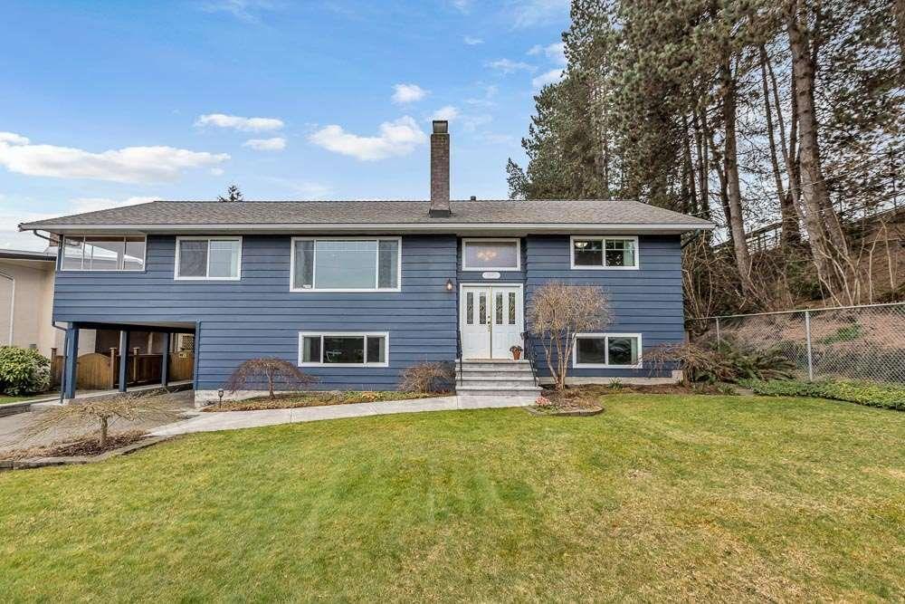 Main Photo: 800 REGAN Avenue in Coquitlam: Coquitlam West House for sale : MLS®# R2560584