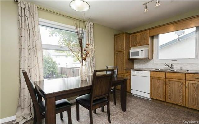 Photo 5: Photos: 11 Gretna Bay in Winnipeg: Meadowood Residential for sale (2E)  : MLS®# 1712947