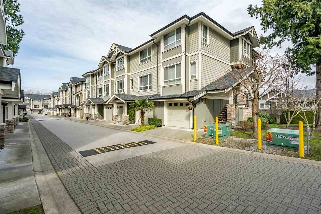 """Main Photo: 24 2955 156 Street in Surrey: Grandview Surrey Townhouse for sale in """"Arista"""" (South Surrey White Rock)  : MLS®# R2575382"""