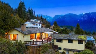 Photo 16: 574 CRAIGMOHR Drive in West Vancouver: Glenmore House for sale : MLS®# R2545385