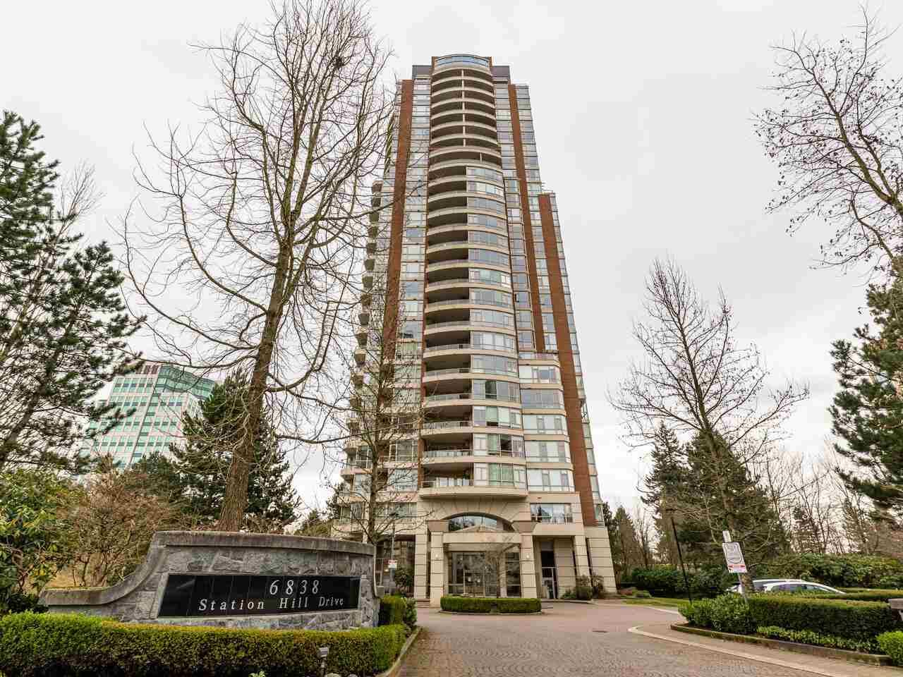 """Main Photo: 1804 6838 STATION HILL Drive in Burnaby: South Slope Condo for sale in """"THE BELGRAVIA"""" (Burnaby South)  : MLS®# R2544258"""