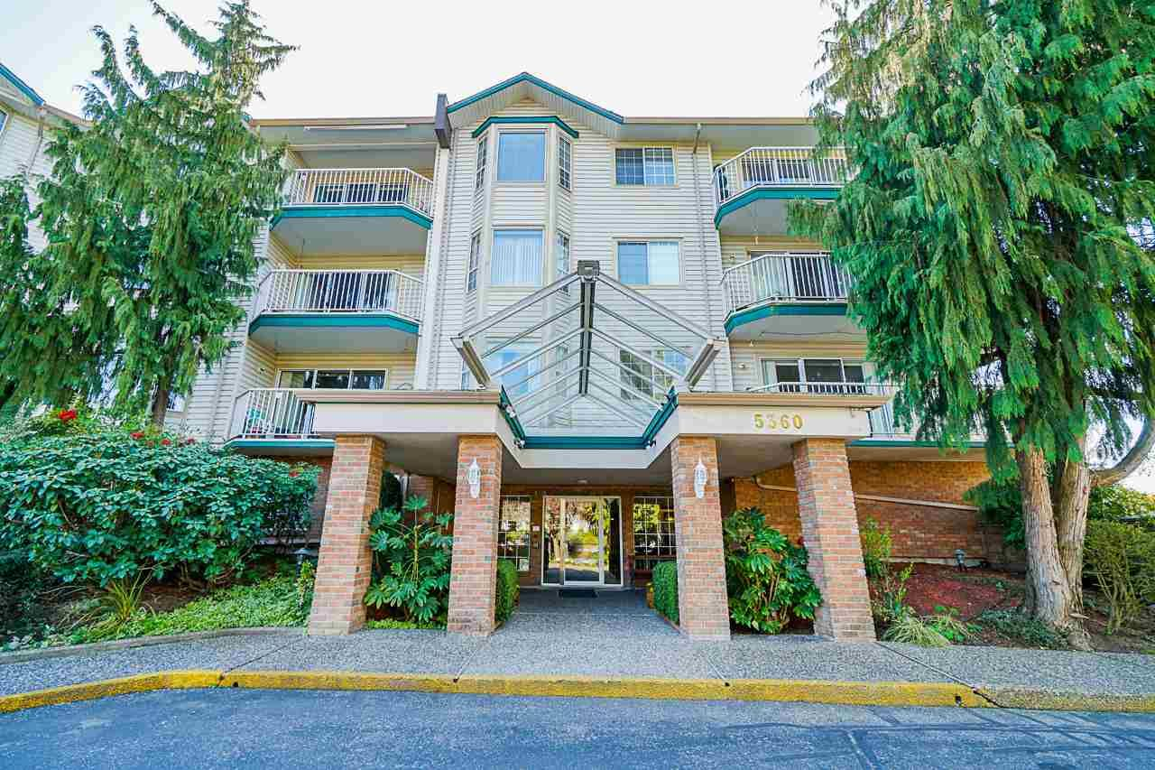 """Main Photo: 116 5360 205 Street in Langley: Langley City Condo for sale in """"Parkway Estates"""" : MLS®# R2491402"""