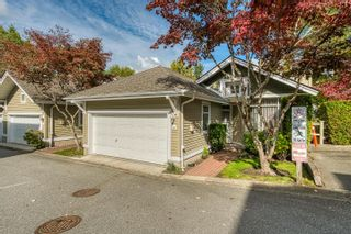 """Photo 3: 10 5240 OAKMOUNT Crescent in Burnaby: Oaklands Townhouse for sale in """"Santa Clara"""" (Burnaby South)  : MLS®# R2622975"""