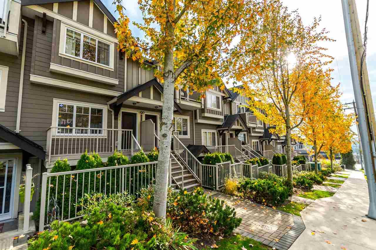 Main Photo: 219 368 ELLESMERE AVENUE in : Capitol Hill BN Townhouse for sale : MLS®# R2221993