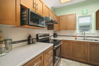 "Photo 10: 506 2800 CHESTERFIELD Avenue in North Vancouver: Upper Lonsdale Condo for sale in ""Somerset Garden"" : MLS®# R2472780"