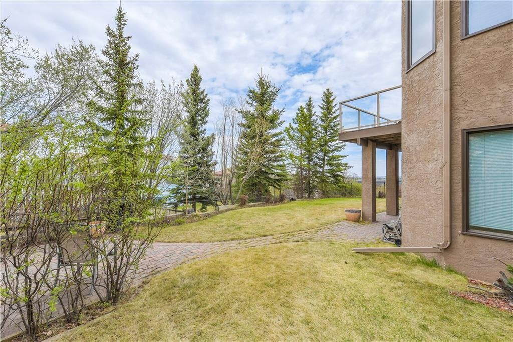 Photo 37: Photos: 2603 SIGNAL RIDGE View SW in Calgary: Signal Hill House for sale : MLS®# C4177922