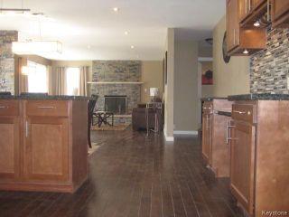 Photo 5: 305 Bonner Avenue in WINNIPEG: North Kildonan Residential for sale (North East Winnipeg)  : MLS®# 1510269
