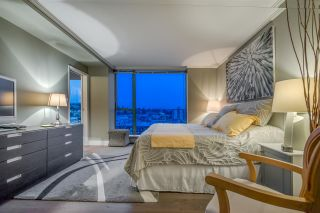 """Photo 13: 1401 120 W 2ND Street in North Vancouver: Lower Lonsdale Condo for sale in """"The Observatory"""" : MLS®# R2526275"""