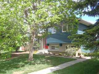 Main Photo: 216 Nottingham Road NW in Calgary: North Haven Detached for sale : MLS®# A1130557