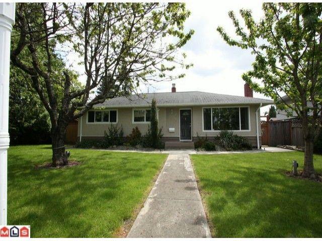 Main Photo: 12572 CENTRE Drive in Surrey: Cedar Hills House for sale (North Surrey)  : MLS®# F1113518